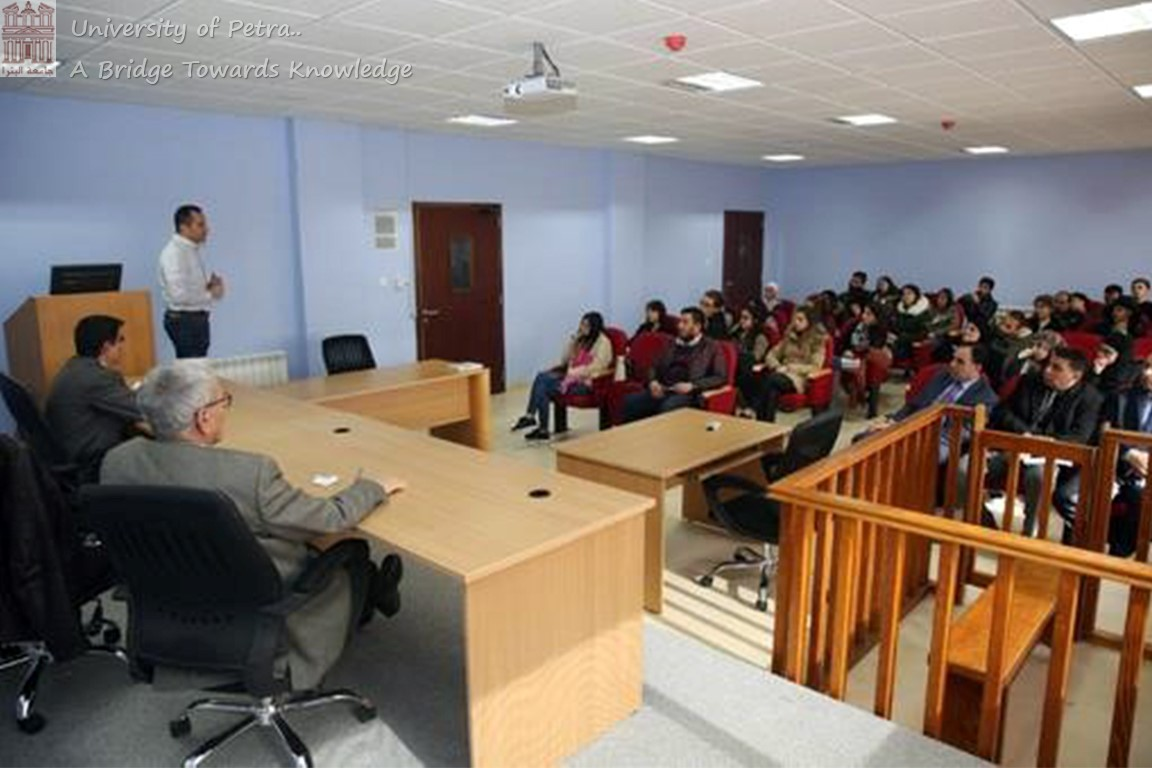 Faculty of Law Organizes Lecture on Opportunities, Challenges of Studying Abroad