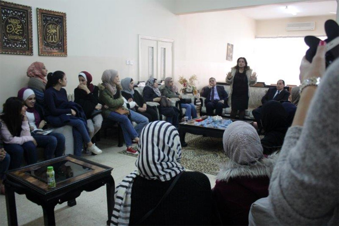 Law Faculty Students Visit Elderly Home